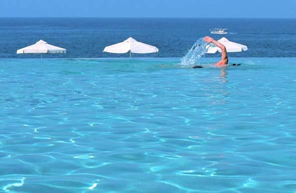 anassa hotel infinity pool